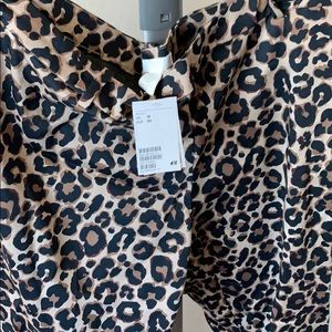 H&M ANKLE LENGTH LEOPARD SLACKS 18